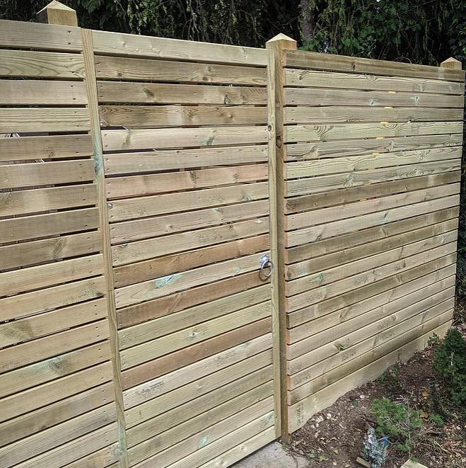 Bespoke Horizontal Slat Fence-builders-Bracknell
