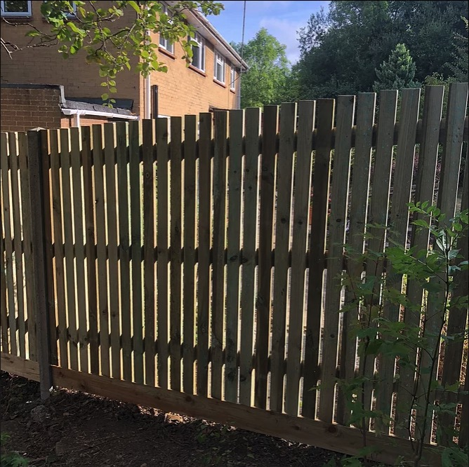 Palisade Fencing-Installers-Bracknell