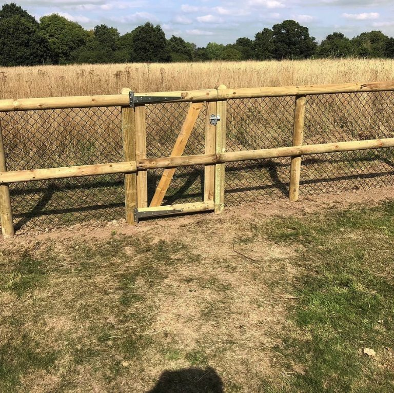 Post-rail-fencing-Builder-Berkshire