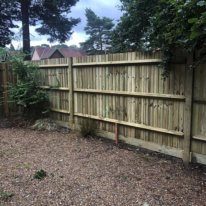 Timber Closeboard Fencing-Installers-Bracknell